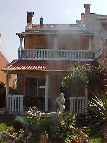 Hinteransicht mit Terassen Ferienwohnung privat Istrien - Kroatien - Pjescana Uvala - Medulin - Pula - Marina Veruda *